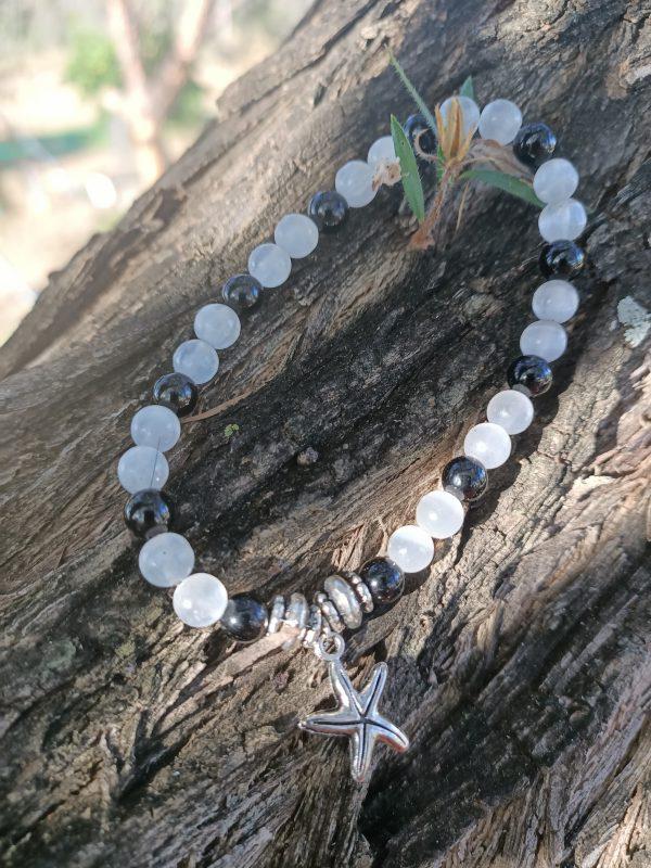 Senelite and Onyx Bracelet